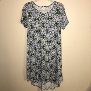 LuLaRoe Carly hi-low t-shirt dress small